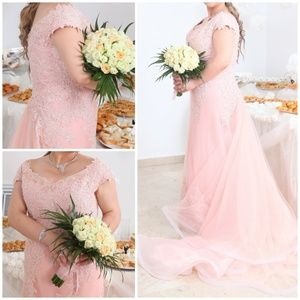 Off Shoulder Embroidered Lace Gown W/ Tulle Train